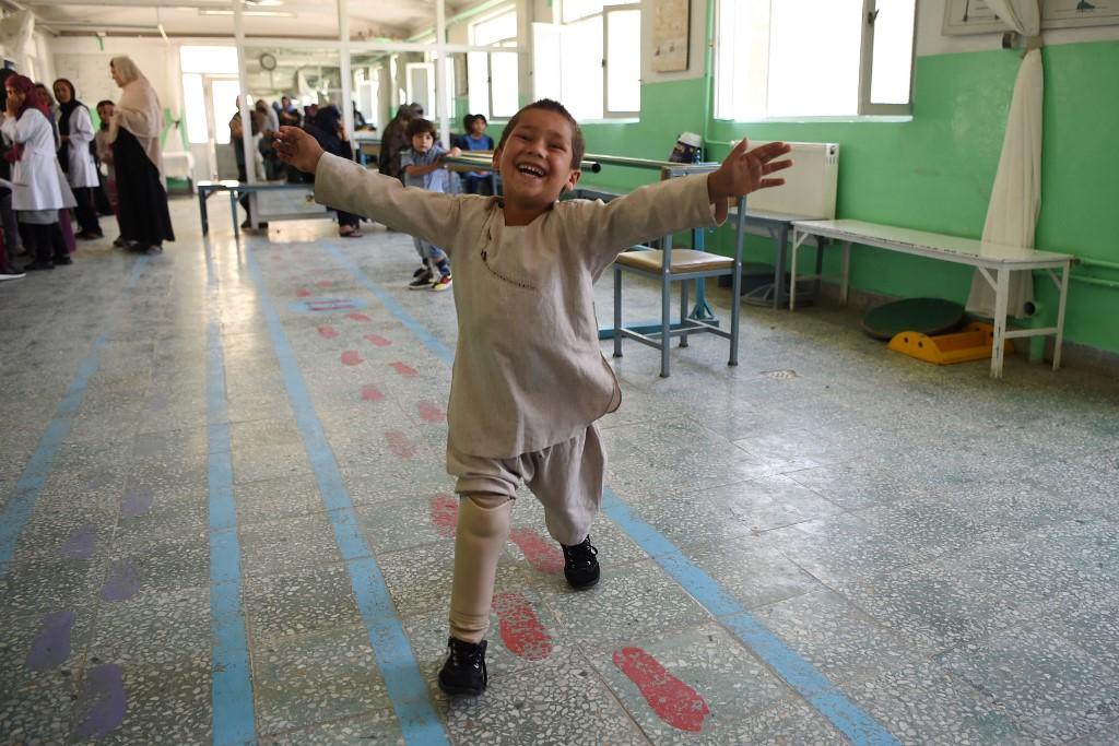 afghan boy dancing