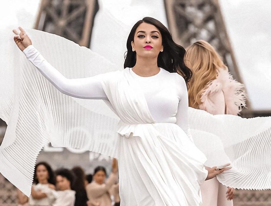 Aishwariya rai paris fashion week